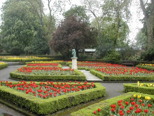 Holland-Park